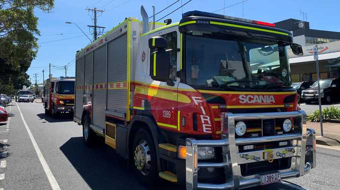 Fire fighters fighting blazes at Agnes Water, Euleilah