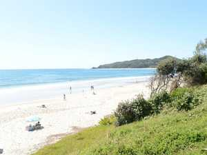 Covid breach fears as Qld schoolies hit Byron