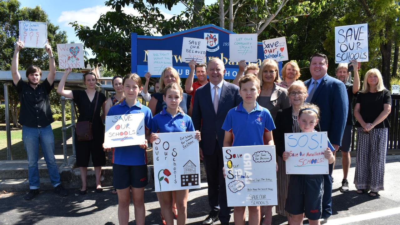 Lismore MP Janelle Saffin, Richmond MP Justine Elliot, councillor Reece Byrnes, opposition leader Anthony Albanese, students and community stakeholders outside Murwillumbah East Public School on November 20 protesting the State Government's four year $100 million plan to amalgamate four schools. Photo: Jessica Lamb