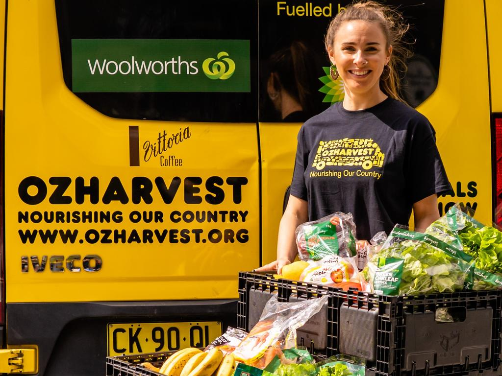 Woolworths across NSW is encouraging customers to give back to people in need this Christmas, through its annual OzHarvest Christmas Appeal.