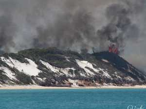 'Apocalyptic' scenes as fire continues to scorch island
