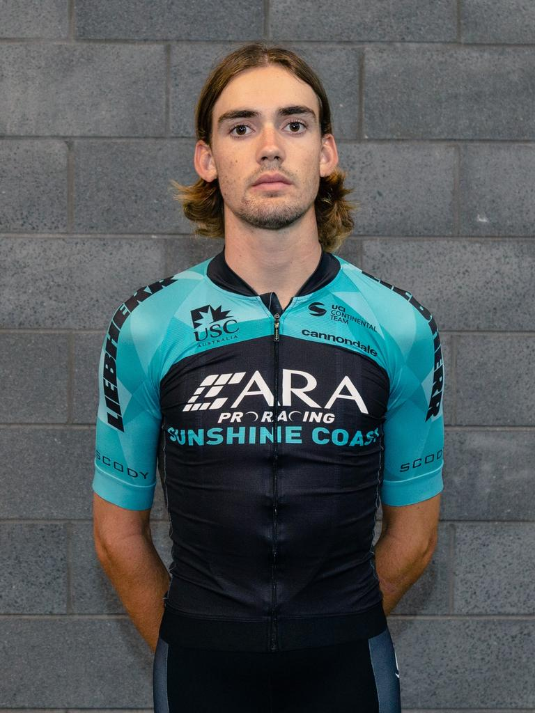Alastair Mackellar has secured a one-year deal with Israel Start-up Nation's development team.