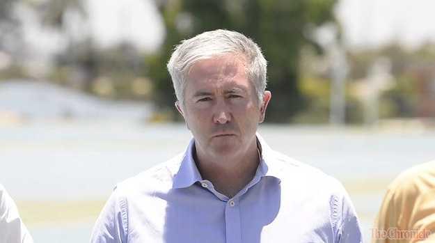 Labor senator campaigns for Groom candidate