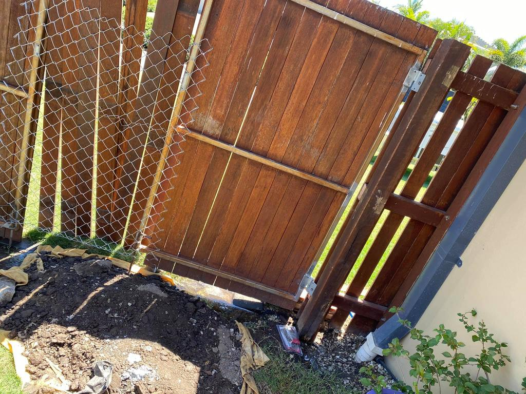 The fencing contractor was hired on Airtasker.