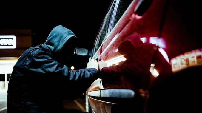 Thieves take off with hundreds of dollars from Cunnamulla car