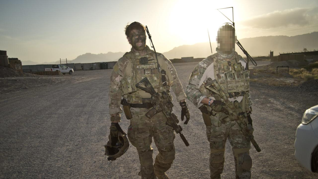 Andrew Hastie coming back from a mission in Afghanistan in 2013;