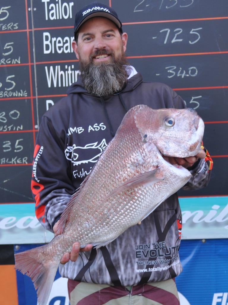 Rainbow Beach Family Fishing Classic competitor Dan Bauer, 2019.
