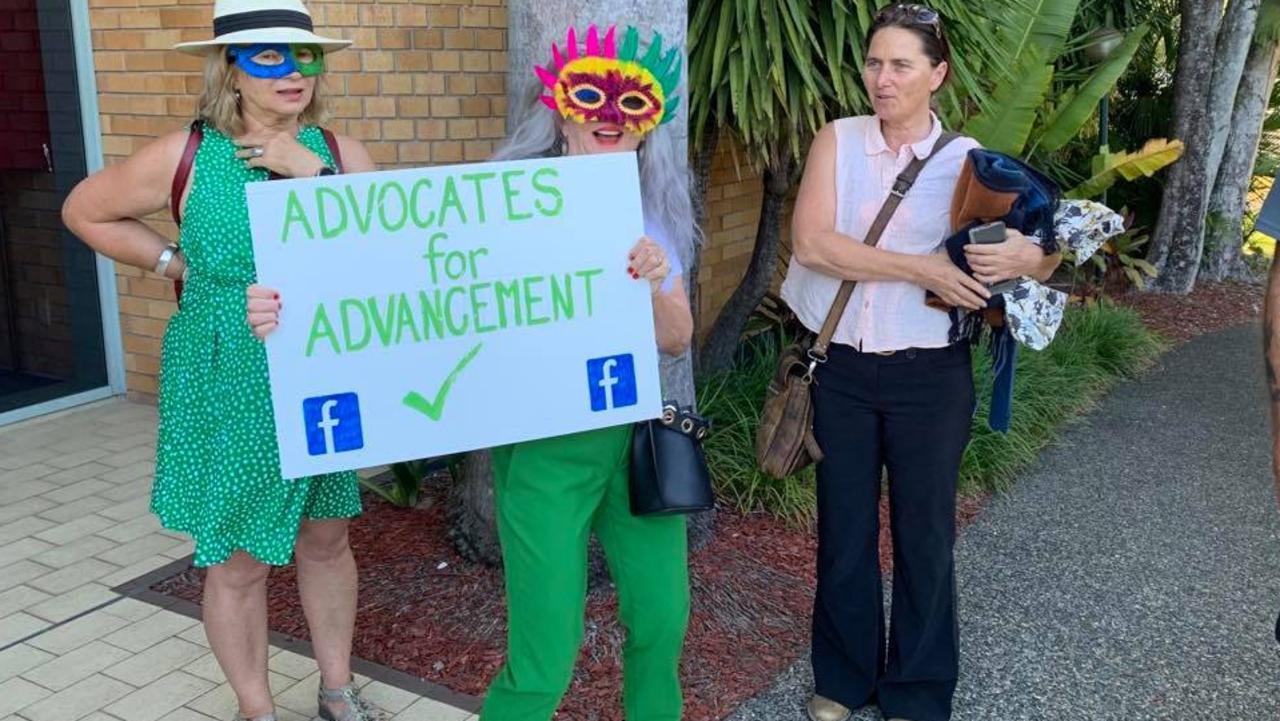 Sandra Duncan and Karen Lagalla greet Cr Sally Townley