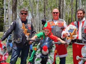 'Kid's love it': Christmas light convoy to spread cheer