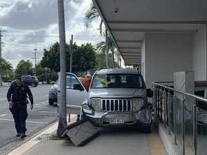 Police arrest Mackay driver after car slams into palm tree
