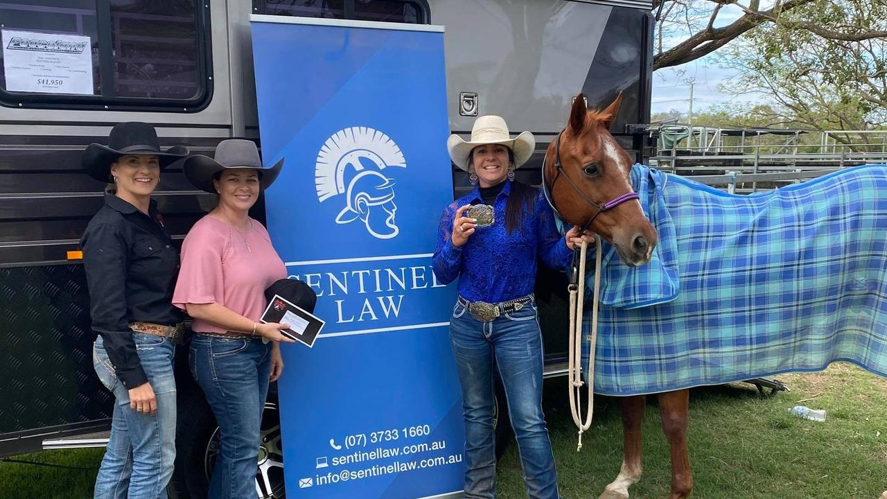Jodee Aylward (centre) after winning the 1D Barrel Race at the Fernvale Queen of Hearts. Photo: Supplied