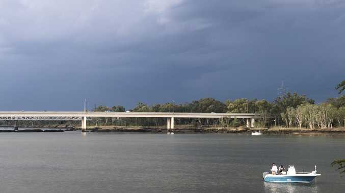 Man jumps off bridge and swims across Fitzroy River