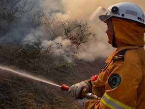 Large bushfire reignites south of Rocky