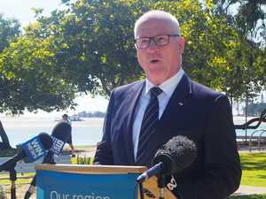 LIFT OFF: Mayor backs airport's bid for Qantas