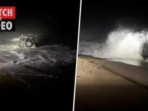 Man gets bogged at Redhead Beach
