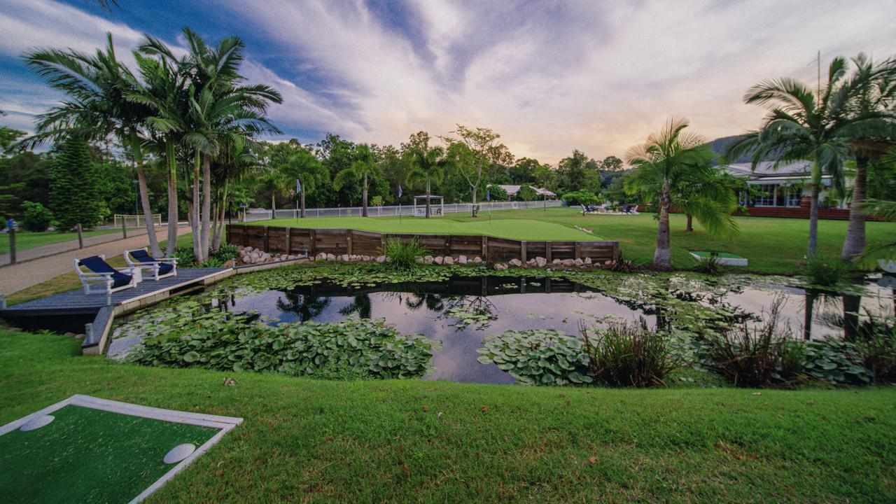 Another view of Rob Nixon's impressive backyard course