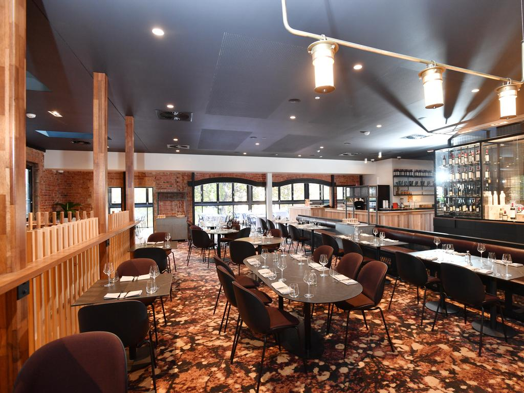 The R&CA are calling for the SA Government to step in and further ease restrictions to help the hospitality sector. Picture: David Mariuz/AAP Image