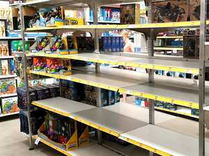 Nightmare before Christmas: Shops packed, shelves stripped