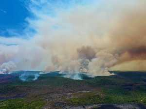 Air tanker contract could extend as Fraser fires rage on