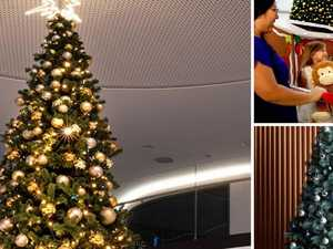 Shopping centre axes Christmas tree