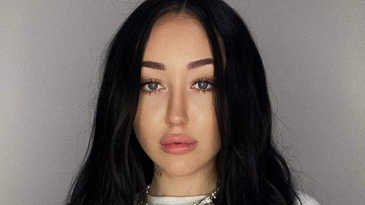 Noah Cyrus has apologised for using a racist remark.