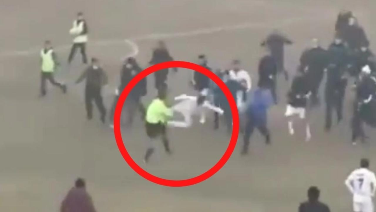 As a football match in Uzbekistan descended into chaos, a player took things to another level with this flying kung-fu kick on the referee.