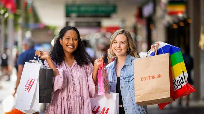 Stingy thing Aussie shoppers are doing this Christmas