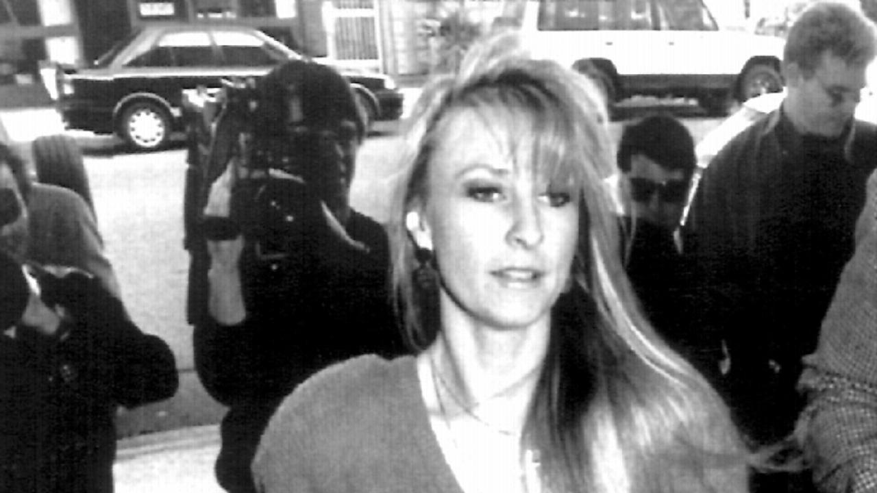 Fairlie Arrow arriving at Southport Court 16 June 1992.