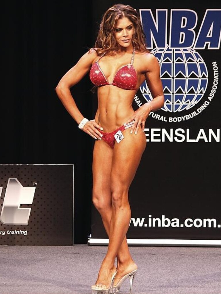 Nerida Lee Shadforth at a bodybuilding event.