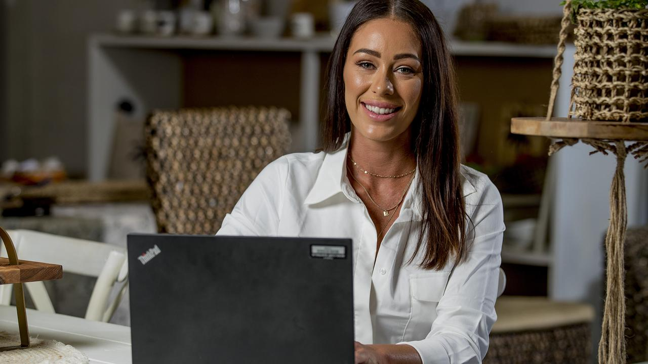 Asha Peck, is the brains behind Gold Coast Girls In Business, a Facebook group that has 26K followers who help each other with their businesses. Picture: Jerad Williams