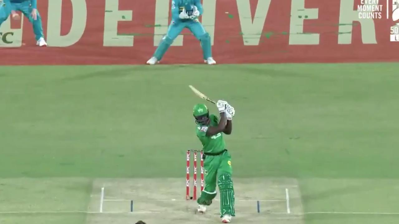 West Indies slugger stuns BBL with never-before-seen no-look six