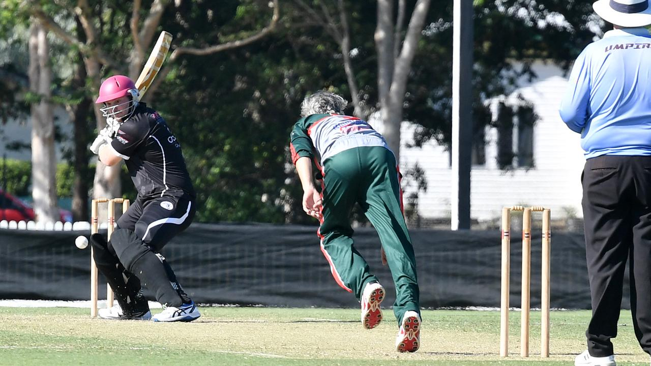 Magpies opener Rhys McBride smashed 11 boundaries to lift his side into the Dixon Homes Div 1 T20 Shootout grand final.