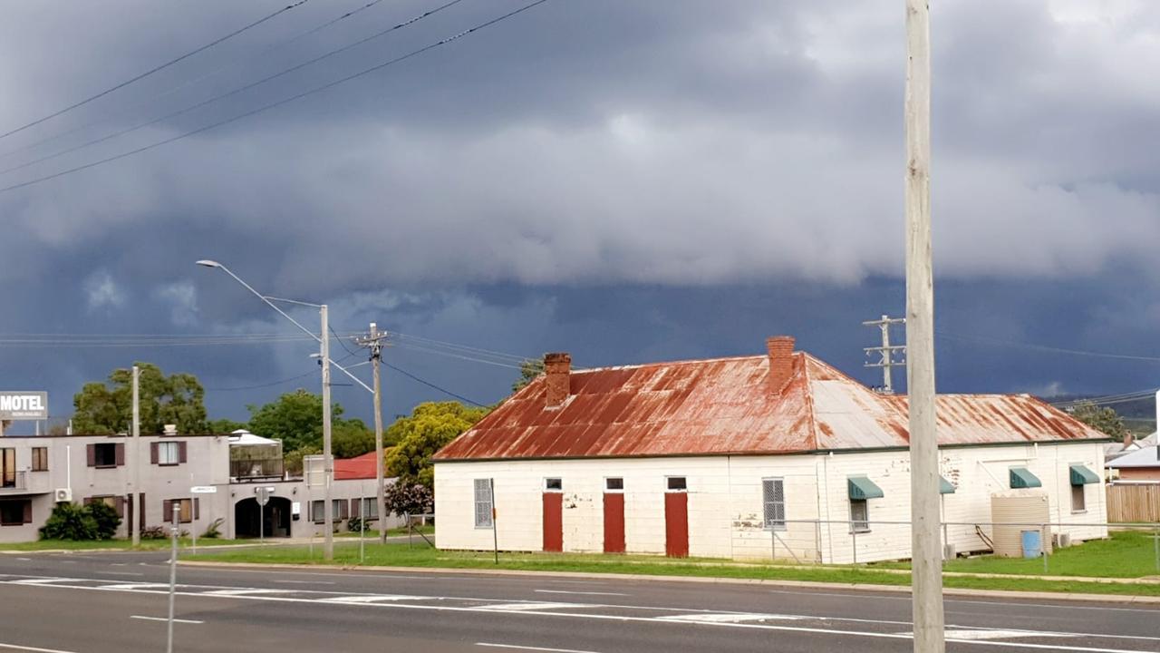 RAIN ROLLS IN: Rain continues to fall in Warwick. /CREDIT:Sherree Nicole