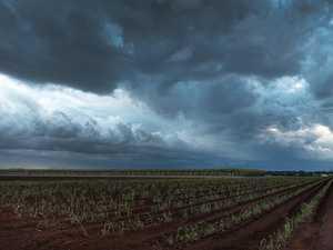 WARNING: Dangerous storms building near Gayndah, Biggenden