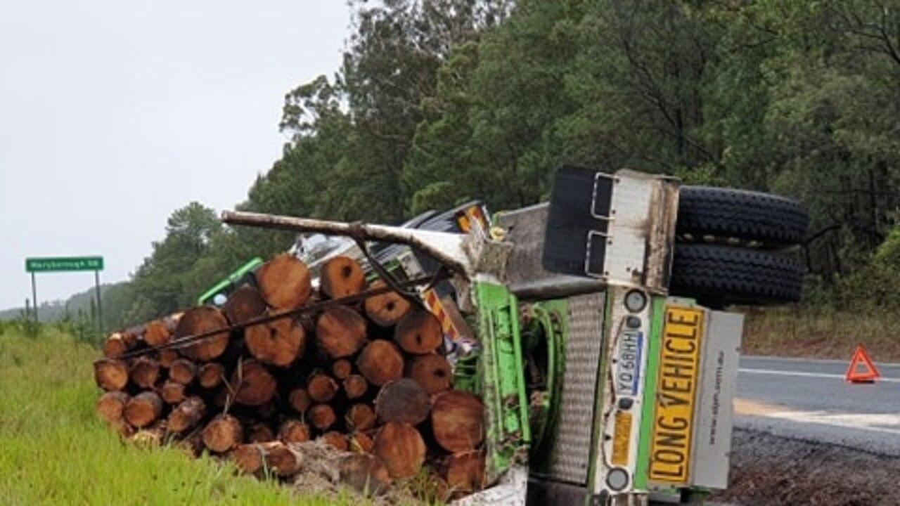 Wallu logging truck rollover