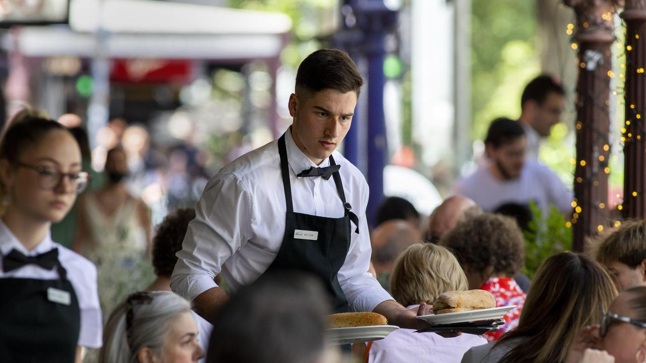 Hospitality staff could be paid as much as $1000 in sign-on bonuses. Picture: NCA NewsWire / David Geraghty