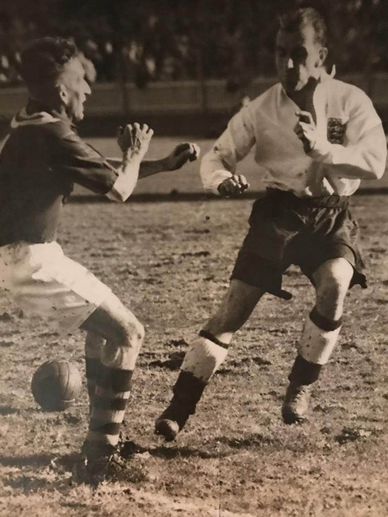 Ipswich football great Bob Lawrie