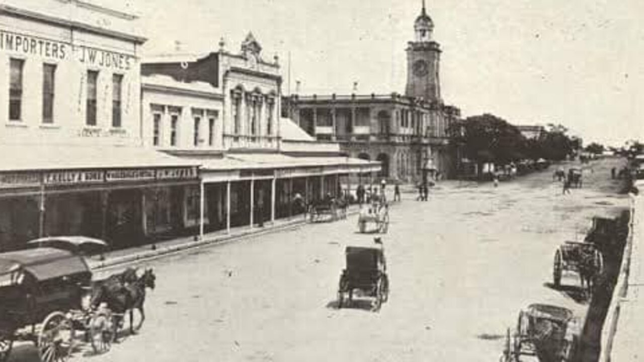 Rockhampton CBD: East St in years gone by with the old Post Office taking prominence.