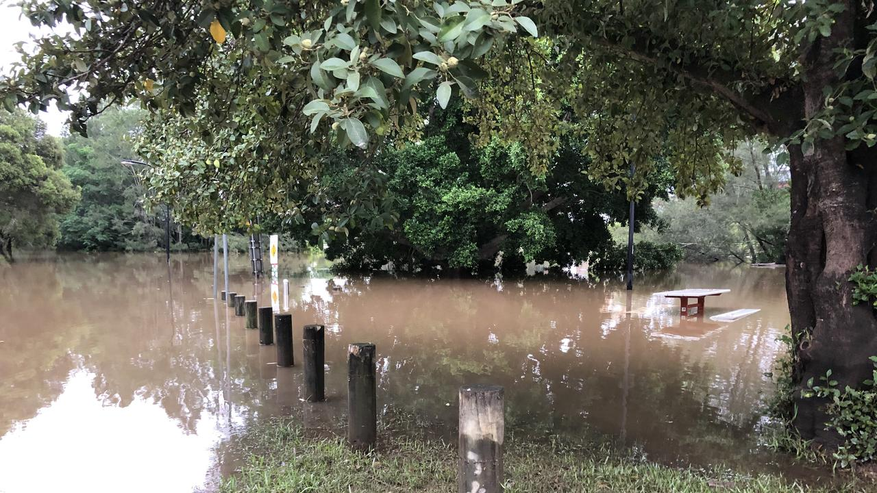 The Wilsons River peaked at Lismore at a moderate flood level.