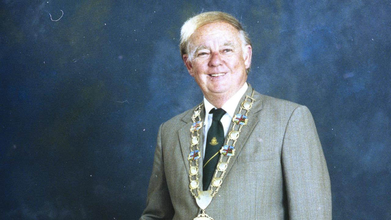 Former Ipswich mayor Des Freeman passed away on December 14.