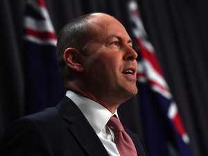 90,000 more Aussies find work in November