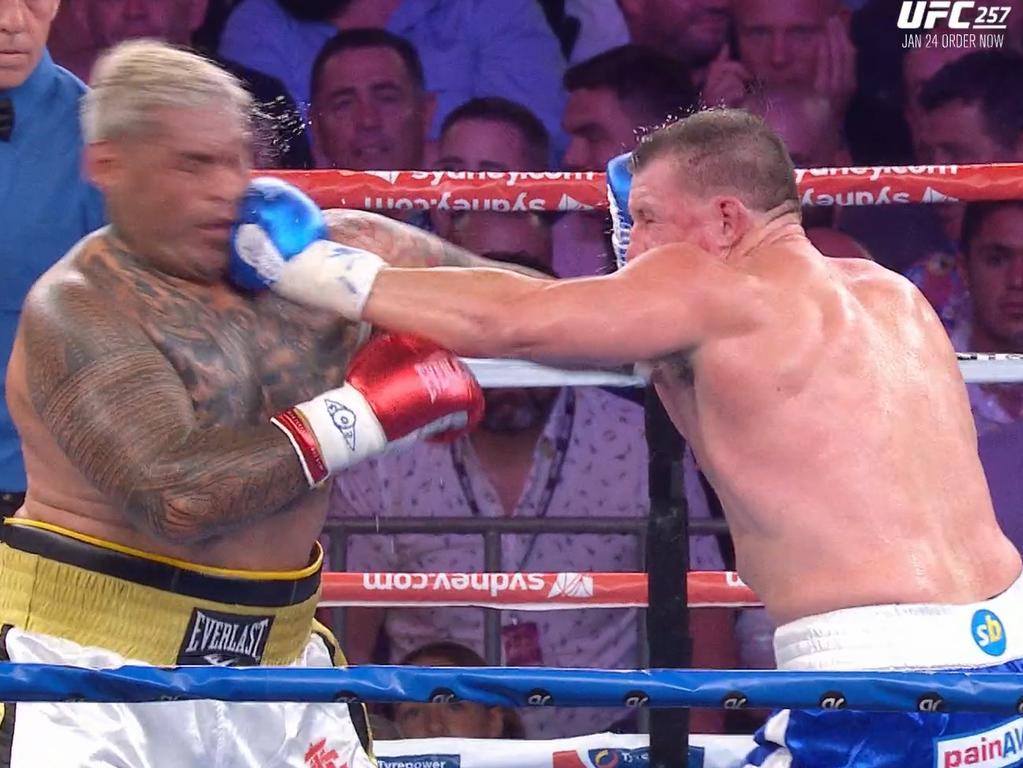 Paul Gallen lands a jab. Photo: Kayo, Main Event.