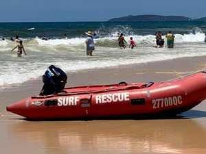 Dumped beachgoer suffers neck injury