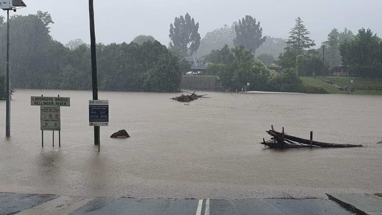 Lavenders Bridge at Bellingen under water this week.