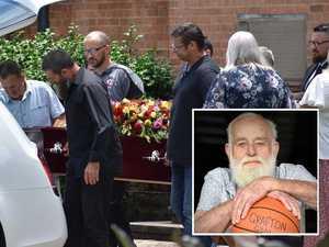 Community bids farewell to 'Mr Basketball' Bruce Leonard