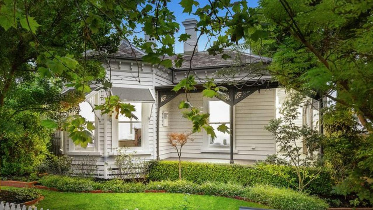 41 Suffolk Road, Surrey Hills sold for $3.41m.
