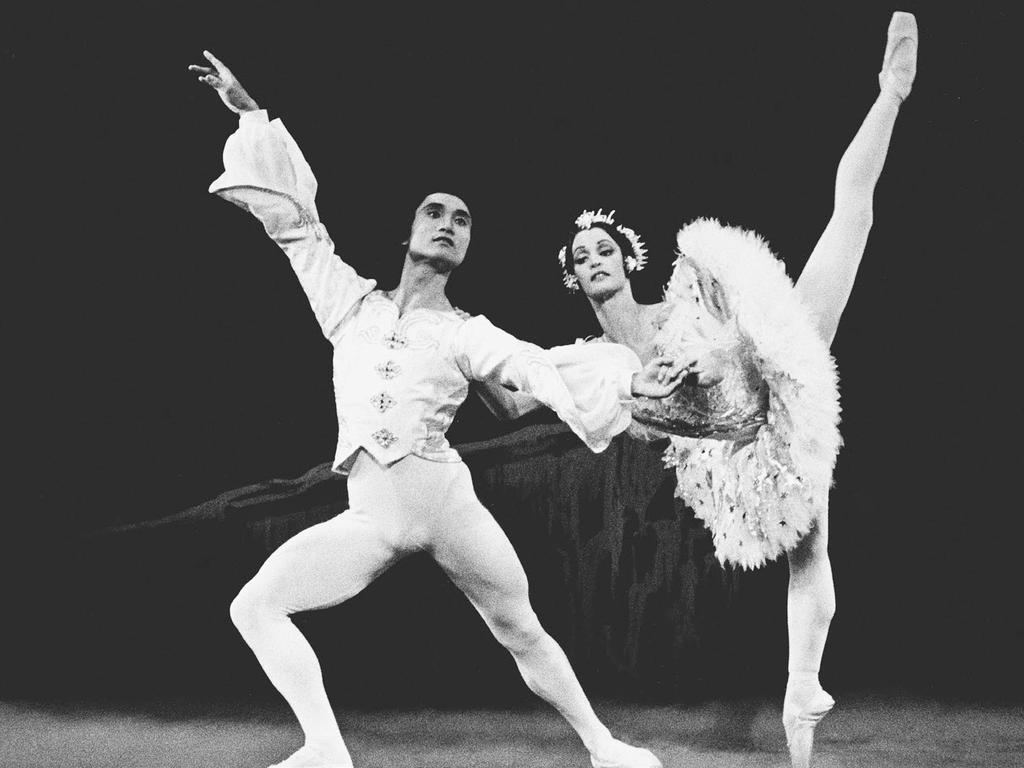 Dancing with Li Cunxin in her final performance of The Nutcracker with the Houston Ballet in 1991.