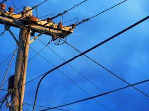 Crews investigate unplanned power outage in Mackay