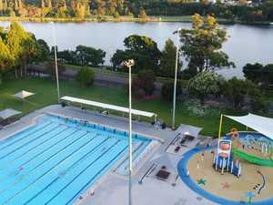 Boomer skips lockdown to go swimming