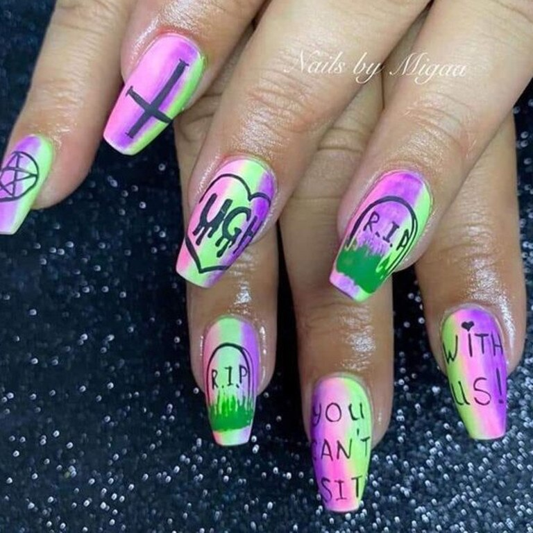 Nails by Migaa.